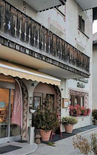 Chi Siamo Cafe Restaurant Burdun